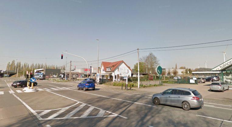 De politie sloeg toe toen de man halt hield aan deze verkeerslichten in Oostakker.