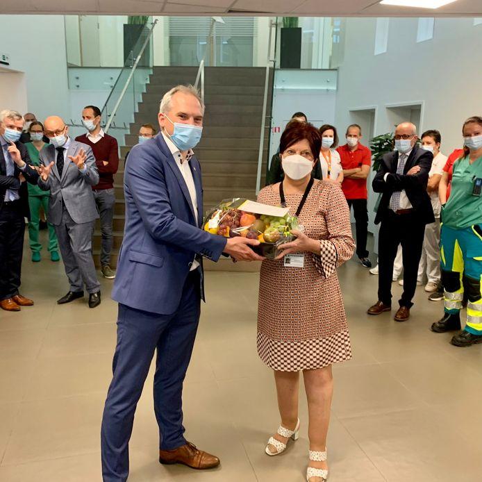 Matthias Diependaele bedankte de medewerkers van het ziekenhuis voor hun tomeloze inzet tijdens de coronapandemie.