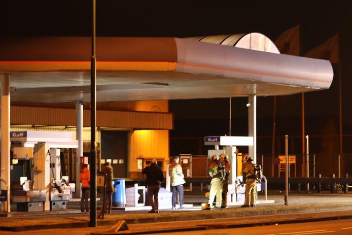 Hulpdiensten bij het tankstation in Veenendaal