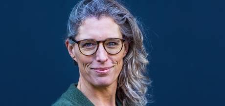 Marieke maakt er het beste van op de camping in de regen: 'Lachen om hitsige naaktslakken die op elkaar kruipen'