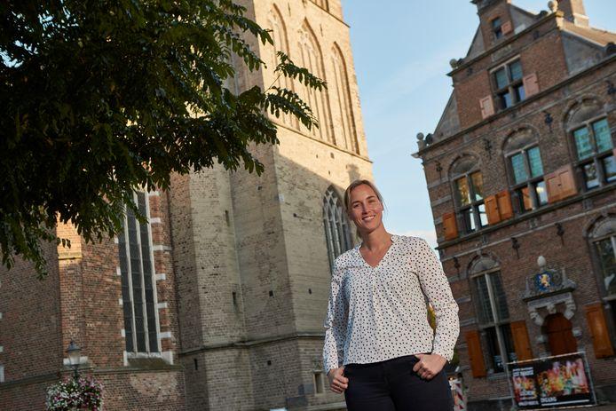 Petra Fust staat in het hart van Lochem. Ze is aangesteld als cultureel contactpersoon om de Lochemse culturele sector na de pandemie weer helpen op poten te zetten.