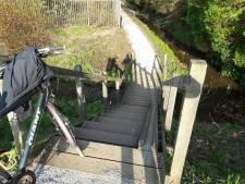 Gemeente zoekt oplossing voor gevaarlijk steile fietstrap in AA-of-Weerijs-route