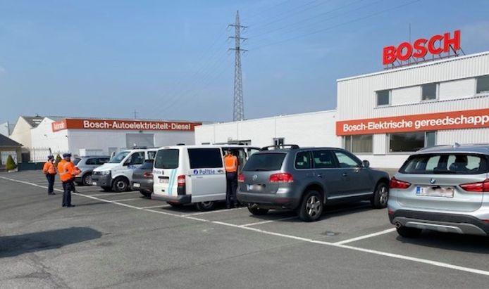 In Ingelmunster werden automobilisten aan de kant gezet op de parking naast het servicecenter Vandenabeele, langs de Kortrijkstraat.