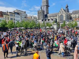 Vijfhonderdtal mensen betoogt op Antwerpse Groenplaats tegen geweld in Gaza