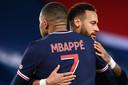 Kylian Mbappé en Neymar staan vanavond allebei aan de start tegen Leipzig.
