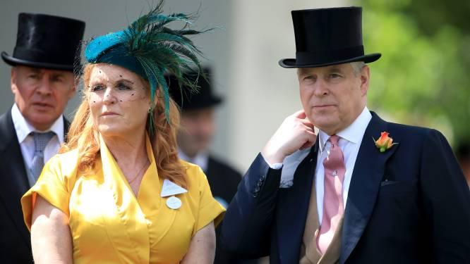 """Sarah Ferguson doet boekje open over koninklijke vetes, prinses Diana en prins Andrew: """"We wonen nog steeds samen"""""""