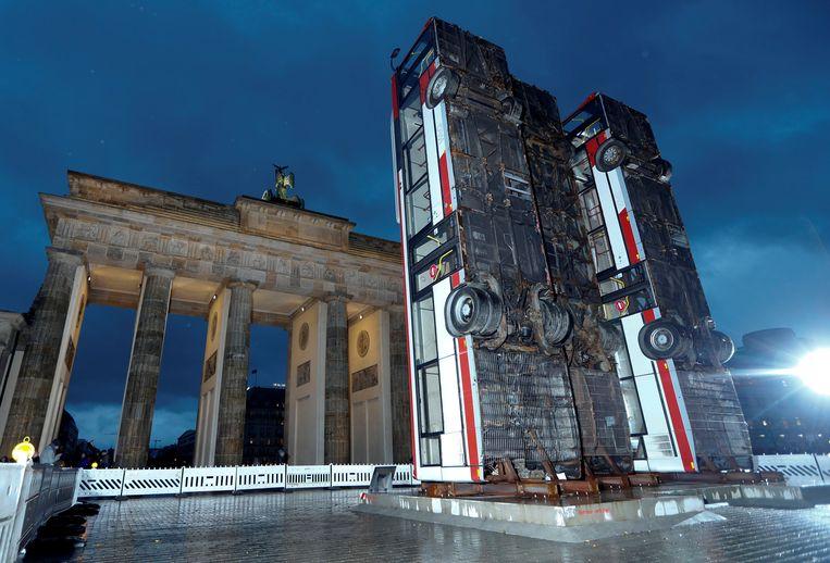 De 'vredesinstallatie' van de Duits-Syrische kunstenaar Manaf Halbouni. Beeld reuters