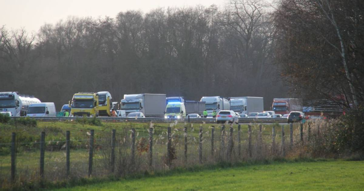 File na ongeval op A1 richting Hengelo.