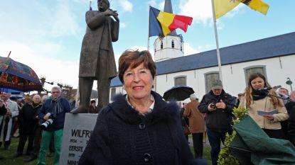 """Miet Smet reageert op beklad standbeeld Martens: """"Als je aan Wilfried denkt, denk je toch niet aan krapuul?"""""""