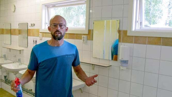 Zoveel toiletten kuist Staf in één seizoen Camp Grinsby