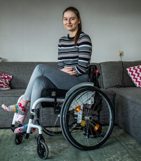 Lauri (23) wordt geteisterd door licht en geluid, maar is 'gek genoeg gelukkig'