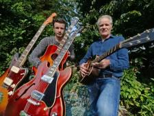 Vader en zoon uit Geesteren zijn helemaal gek van oude gitaren: 'Moet je ruiken, heerlijk!'
