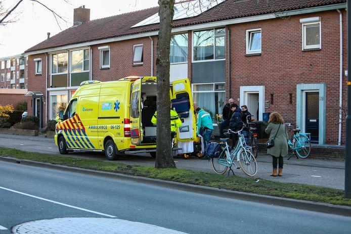 Een meisje is zondag gewond geraakt na aan te zijn gereden door een scooterrijder. Deze is doorgereden na het ongeluk.