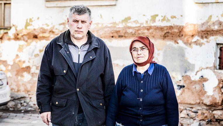 De Servische Nenad Jordanovic en zijn moeder Jelilca Jordanovic. Beeld Aurélie Geurts