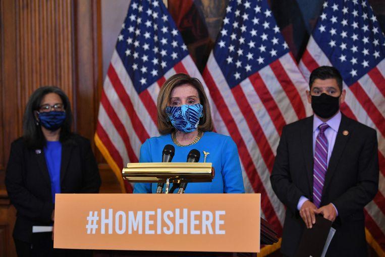 De Democratische voorzitter van het Huis van Afgevaardigden Nancy Pelosi op een persconferentie naar aanleiding van het wetsvoorstel dat illegalen in de VS meer bescherming moet bieden. Beeld AFP