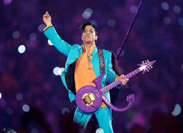 Prince tijdens de pauze van de Super Bowl in 2007. Beeld AP