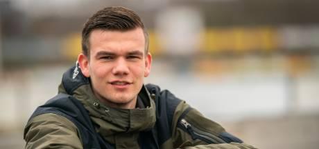 Voetbaltransfer in coronatijd: Max Roelofs volgt  broer Luke van Huissen naar Bemmel