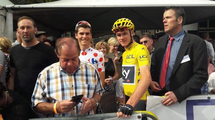 Ronnie Buiks (rechts) verstaat de kunst om Tourtoppers als Chris Froome (gele trui) en Warren Barguil naar zijn koers te halen. 'Dit is een  totaal anders speelveld', zegt hij over het feit dat niemand weet of de toprenners dit najaar beschikbaar zijn voor de criteriums.