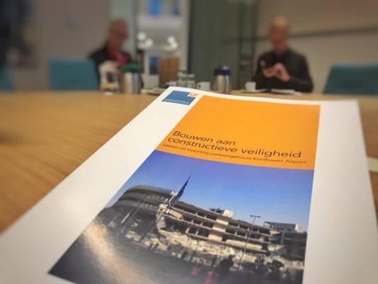 Het rapport van de Onderzoeksraad voor Veiligheid over het instorten van de parkeergarage bij Eindhoven Airport.