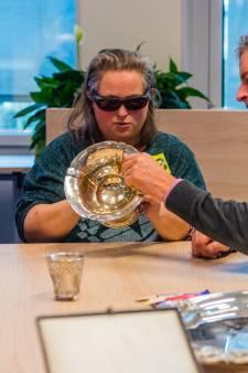Blinden en slechtzienden voelen zilver: 'Dat kan niet in een museum'