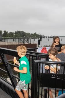 Rolbrug in Thoolse haven doet het (eindelijk) weer