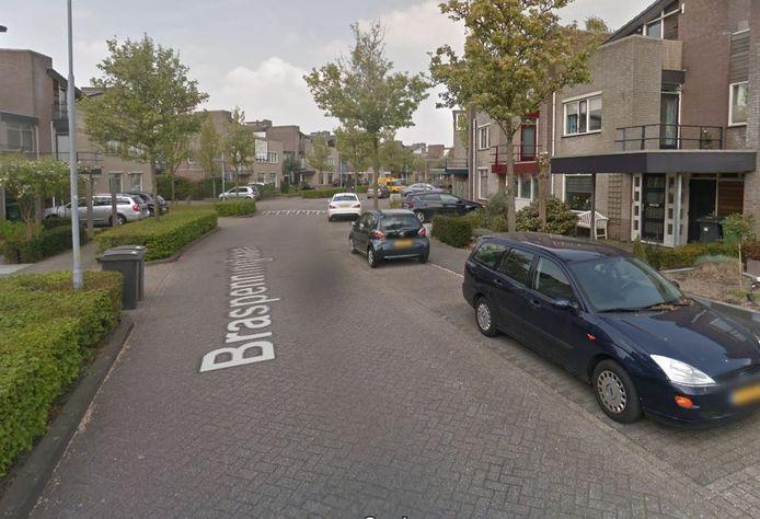 Een bewoner is in elkaar geslagen op de Braspenninglaan in de wijk Maaspoort in Den Bosch.