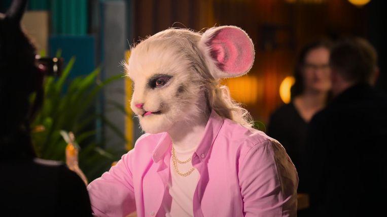 Netflix komt met 'Sexy beasts', uiterst bizarre kruising tussen 'First Dates' en 'The Masked Singer'. Beeld netflix