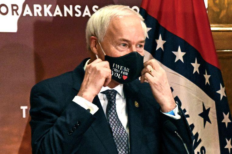 De gouverneur van Arkansas, die zijn veto over de wet uitsprak. Beeld AP