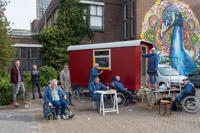 De VonderBoys aan het werk met linksachter ontwerper Nikolai Gillissen, geluksconsulent Richard van Schaijk en ontwerper Almar Sinte Maartensdijk.