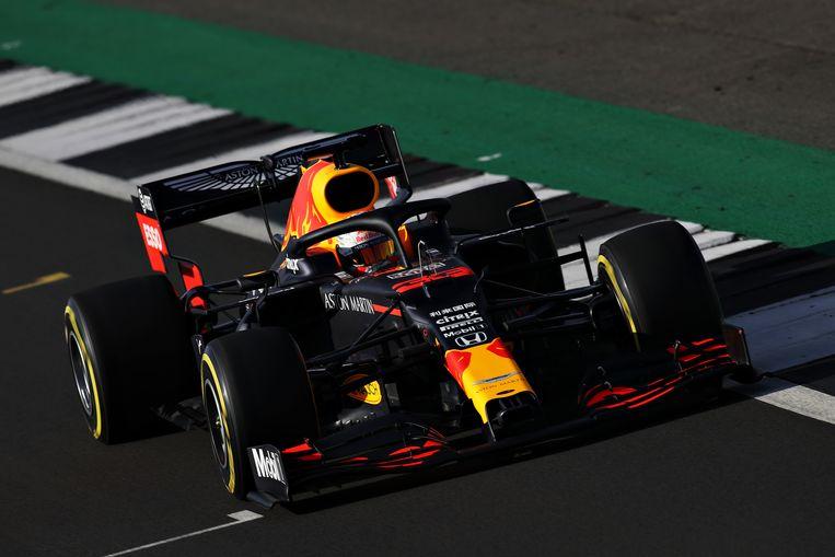 Met deze RB16, de nieuwe F1-bolide van Red Bull, moet Max Verstappen de jongste wereldkampioen ooit worden. Beeld Getty Images
