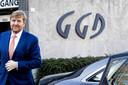Koning Willem-Alexander bij de GGD in Tilburg, eerder deze week. Hij bracht via de Loonse burgemeester Hanne van Aart nog de groeten over aan Joost Boons.