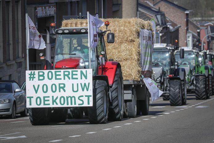 Landbouwvereniging de Groene Kring voerde dinsdag actie in Limburg samen met jonge boeren. Ze vragen aandacht voor hun toekomst.