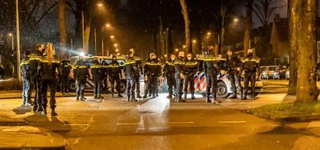 Burgemeester 'best wel tevreden': 1298 boetes voor negeren avondklok in Tilburg, rellen zorgden voor een piek