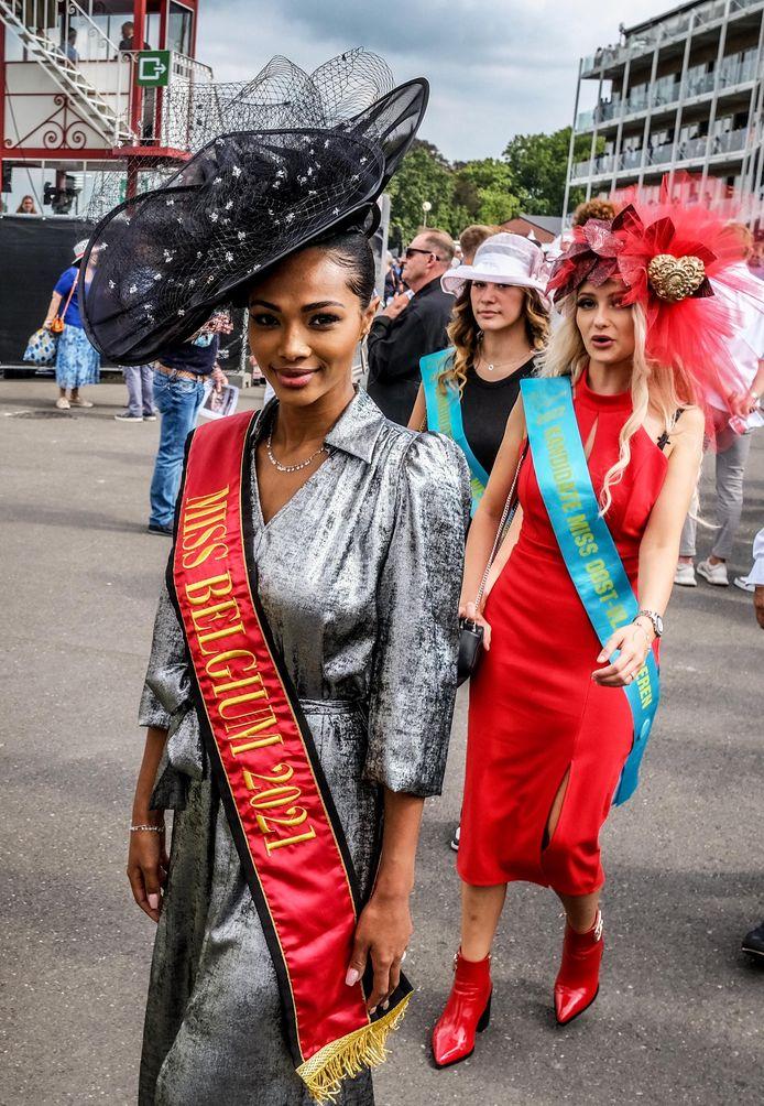 Waregem Koerse: Miss België Kedist Deltour zit straks in de jury van de Willy Naessens Hat Trophy.