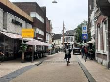 Tijd van waarschuwen in autoluwe Nieuwlandstraat is voorbij: 'We gaan handhaven en bekeuren'