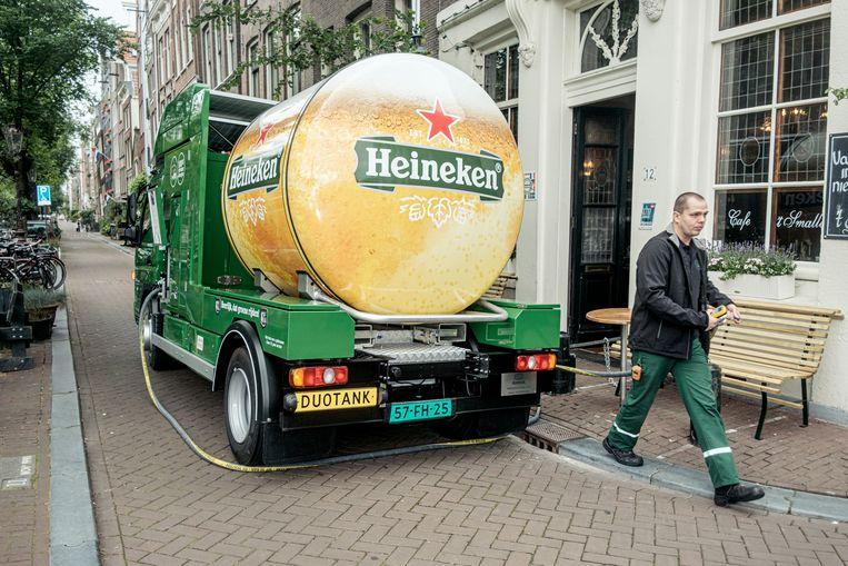 Amsterdam - 2021-07-05 - Elektische biertruck Heineken - Egelantiersgracht 12 Beeld Jakob van Vliet