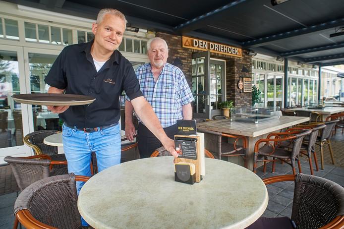 Patrick en Cor van de Ven van cafe-restaurant Den driehoek te Vinkel. Serie over oude bazen. Fotograaf: Van Assendelft/Jeroen Appels