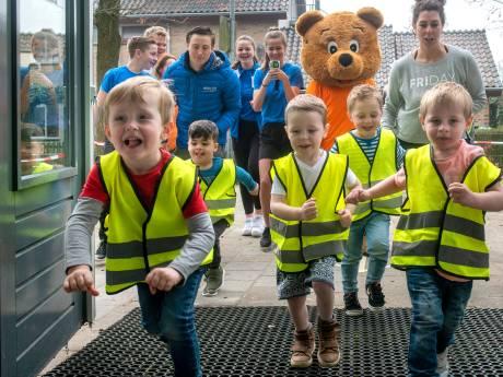 Kinderen rennen voor KiKa én het schoolplein in Zetten
