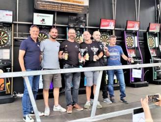 """32 teams geven het beste van zichzelf op eerste Open Darts Ronse: """"We doen mee voor de sfeer en de gezelligheid"""""""