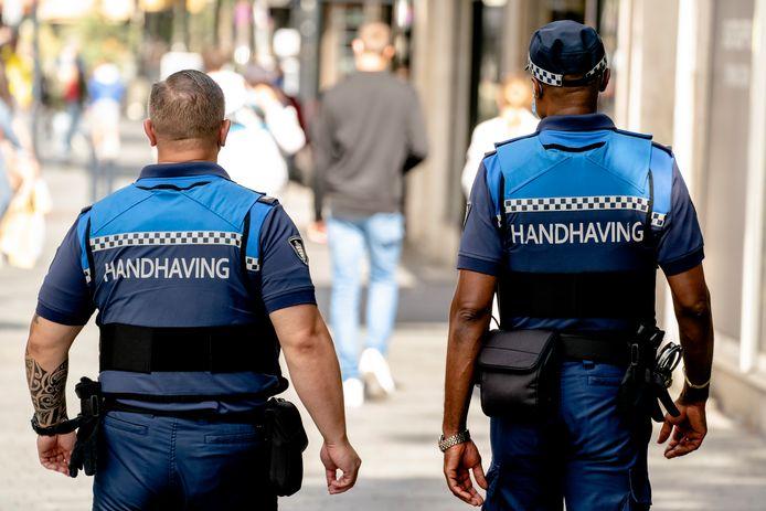 Politie en boa's hadden in Zwolle en Nunspeet hun handen vol aan mondkapjesweigeraars.