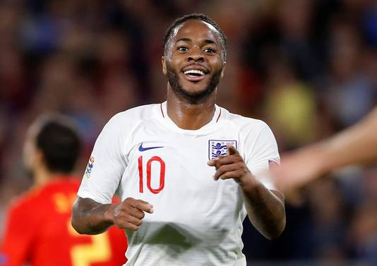 Raheem Sterling scoorde twee keer en verdubbelde daarmee zijn totale productie voor de nationale ploeg van Engeland.