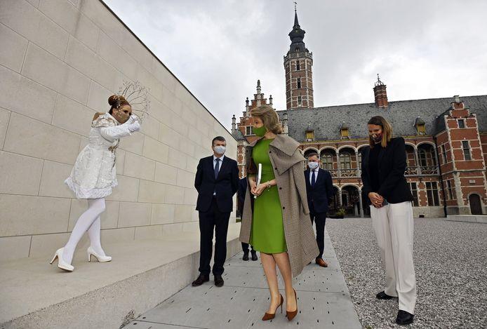 Koningin Mathilde bracht enkele weken geleden een bezoek aan het Hof van  Busleyden en de expo 'Kinderen van de Renaissance'