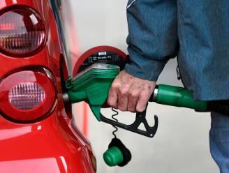 Benzine wordt beetje goedkoper