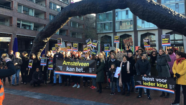 Demonstranten van Kick Out Zwarte Piet in Amstelveen.