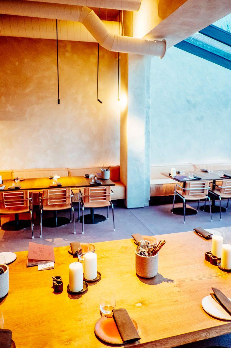 Op het menu: veel gerechten om te delen. Oosterse invloeden zijn niet ver te zoeken, met dimsum, crispy duck salad of wagyu beef. Beeld Stefaan Temmerman