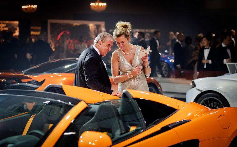 Bezoekers tijdens de zestiende editie van Masters of LXRY, een beurs die draait om luxe in de Amsterdam RAI.  Beeld ANP