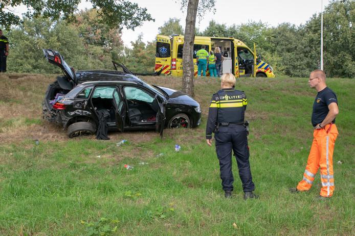 De autodieven raakten van de weg af in Tilburg.