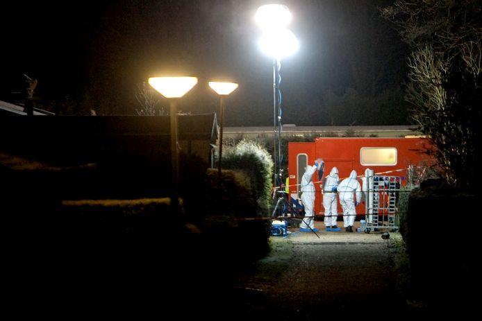 In 2012 beroofde Debby R. haar twee zoontjes, Jayden (7) en Joey (10), van het leven op een recreatiepark in Terwolde.