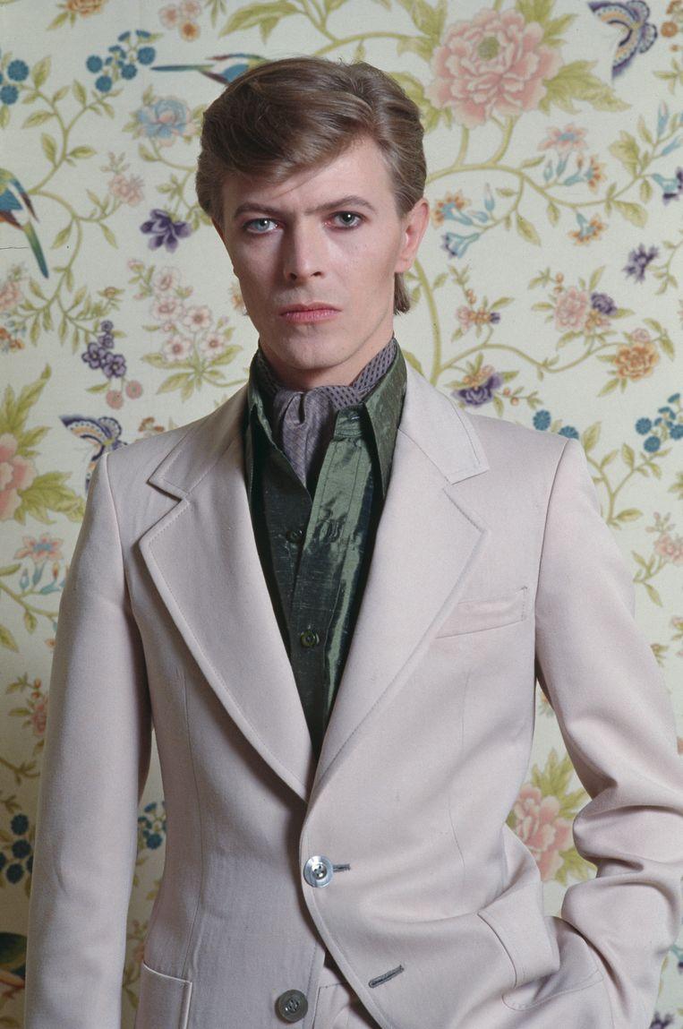 Bowie beval Vladimir Nabokov aan, George Orwell, Anthony Burgess en Dante, nog niet zo verrassend, maar óók Fran Lebowitz, Hart Crane, Frank Edwards en Vance Packard. Beeld Christian Simonpiétri
