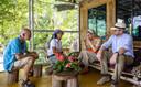 Koning Willem-Alexander en koningin Maxima bezoeken het Silima Lombu Ecovillage op Sumatra, op de laatste dag van het staatsbezoek aan Indonesië.